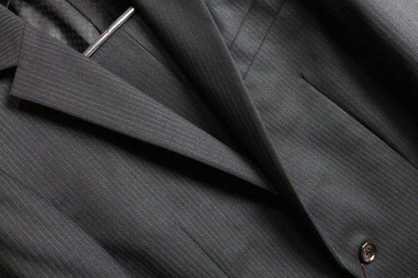 画像2: コムサメン 春夏 オーストラリア産 羊毛 SUPER100`S シャドーピンストライプ 背抜き仕立て スーツ/COMME CA MEN